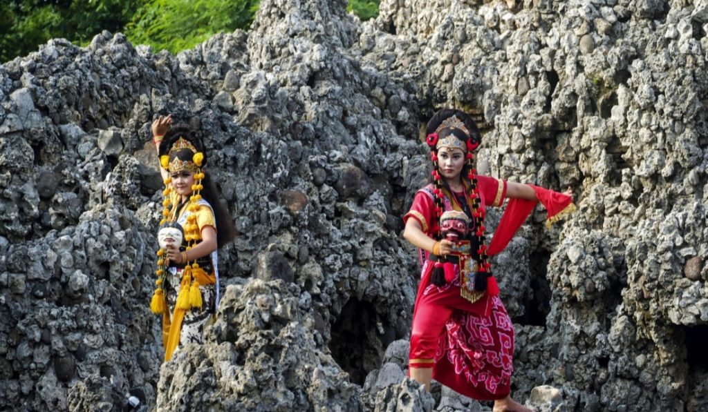 Tari Tradisional Cirebon