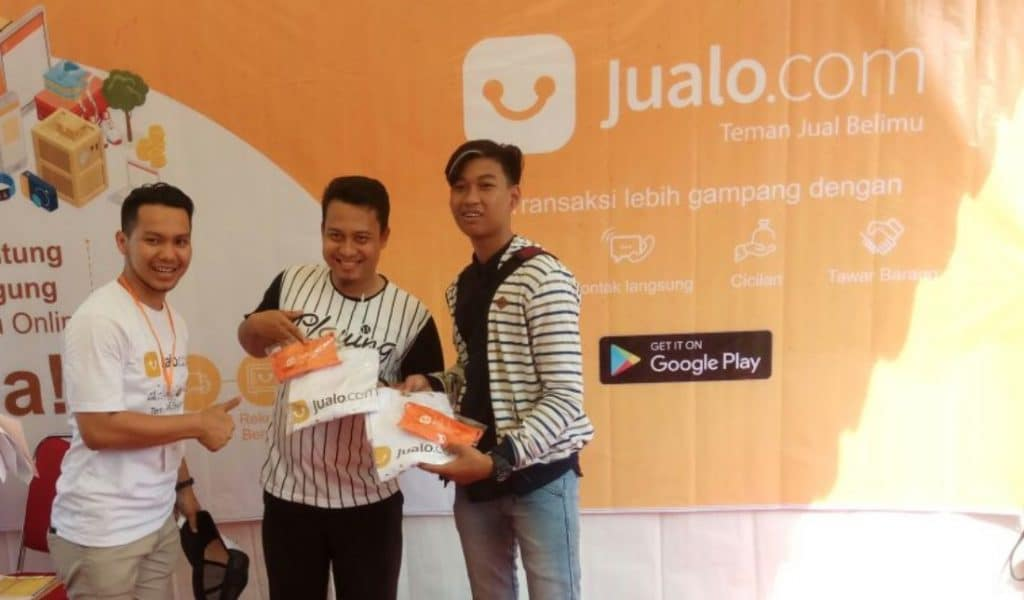 Para pemenang kuis interaktif booth Jualo.com