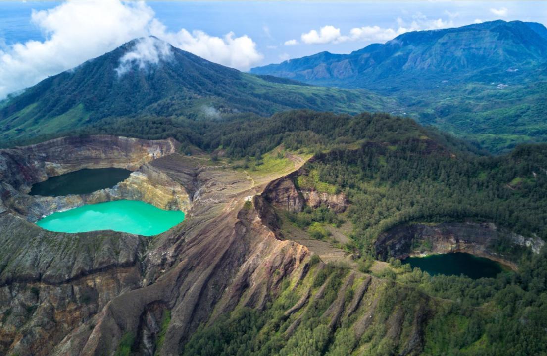 Taman Nasional Gunung Kelimutu