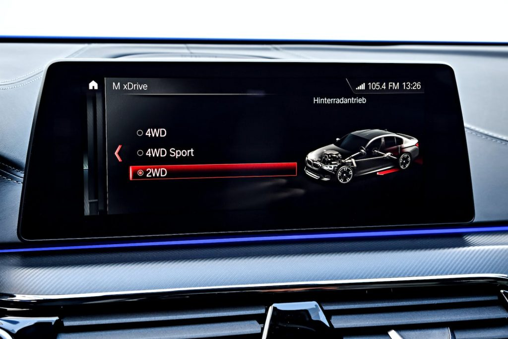 BMW M5 xDrive Mode