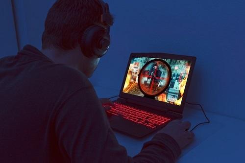layar laptop gaming terbaik