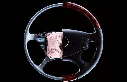 masalah airbag klakson mobil
