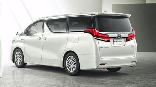 Eksterior belakang Toyota Alphard
