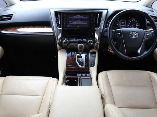 dashboard Toyota Alphard