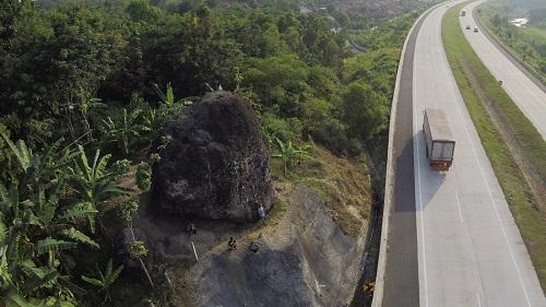 jalan tol angker-cipali