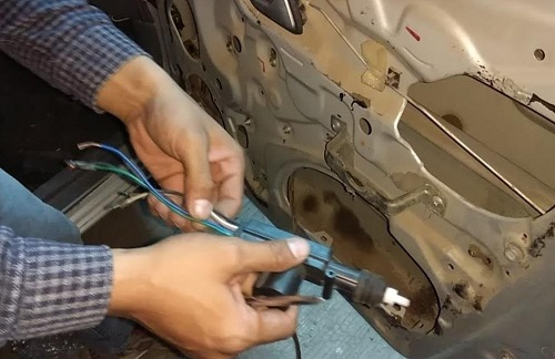 atasi auto lock mobil