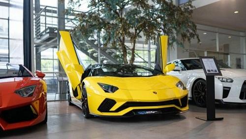 mobil termahal- lamborghini giallo