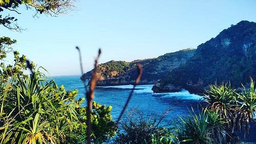 tempat wisata-pantai ngetun