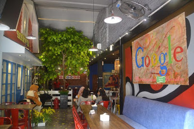 restoran unik-sosmed cafe