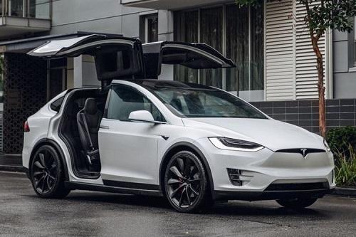 mobil listrik-tesla X