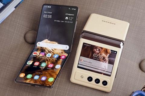 Samsung Galaxy Z Flip 3- 3