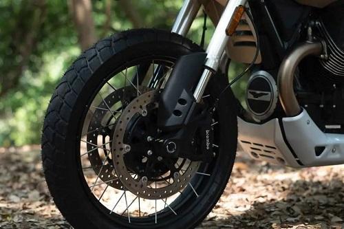 Moto Guzzi V85TT-3